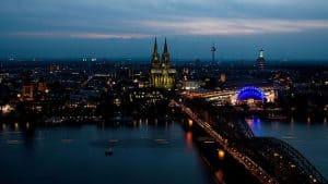Rheinufer Köln, Abendbeleuchtung